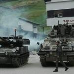 mezzi militari per film noleggio